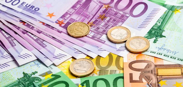 Ab Herbst 2016 erhöht sich der BAföG-Höchstsatz auf 735 €