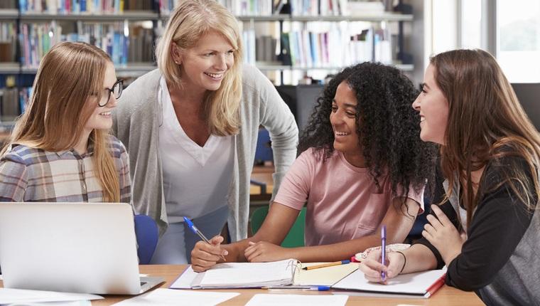 Deutsch als Fremdsprache Studium: Inhalte, Studiengänge, Berufe