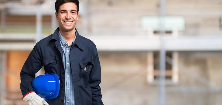 Fernstudium Maschinenbau: Anbieter, Inhalte und Karrierechancen