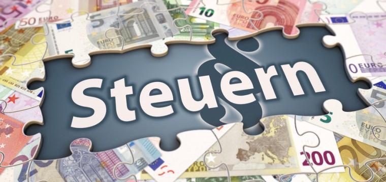 Ist Dein Gehalt höher als 9.168 € im Jahr musst Du die Lohnsteuer abführen