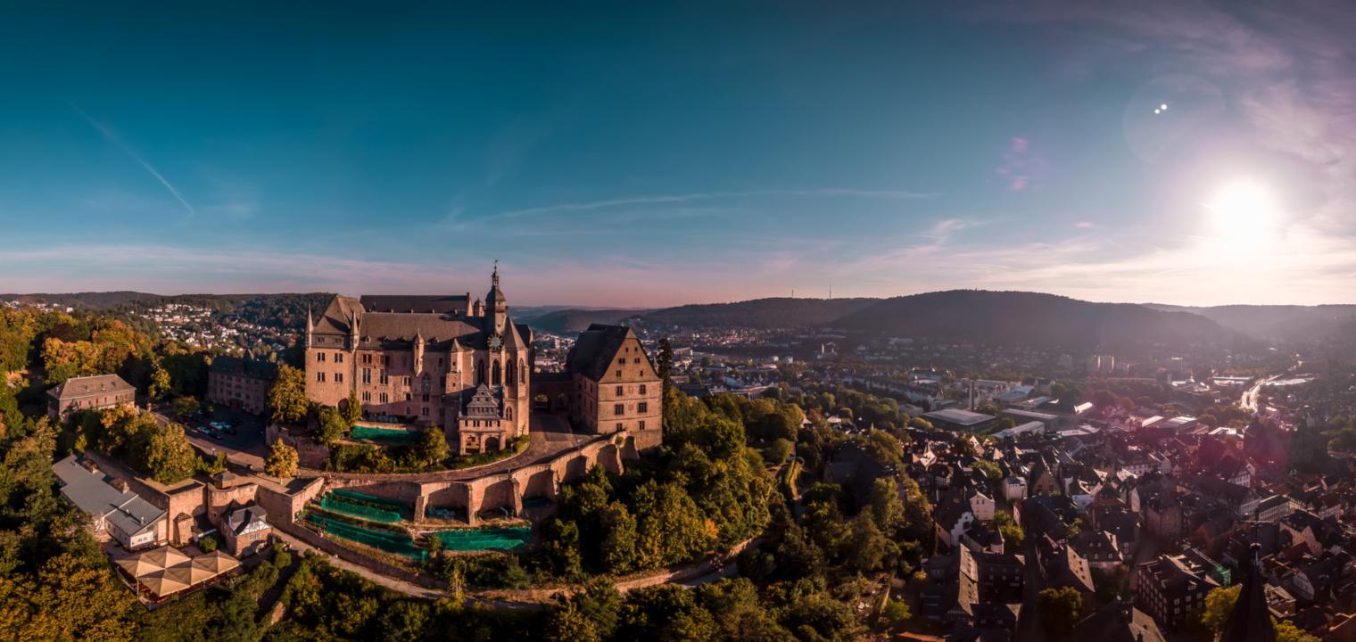 Sonnenaufgang über Marburg and der Lahn