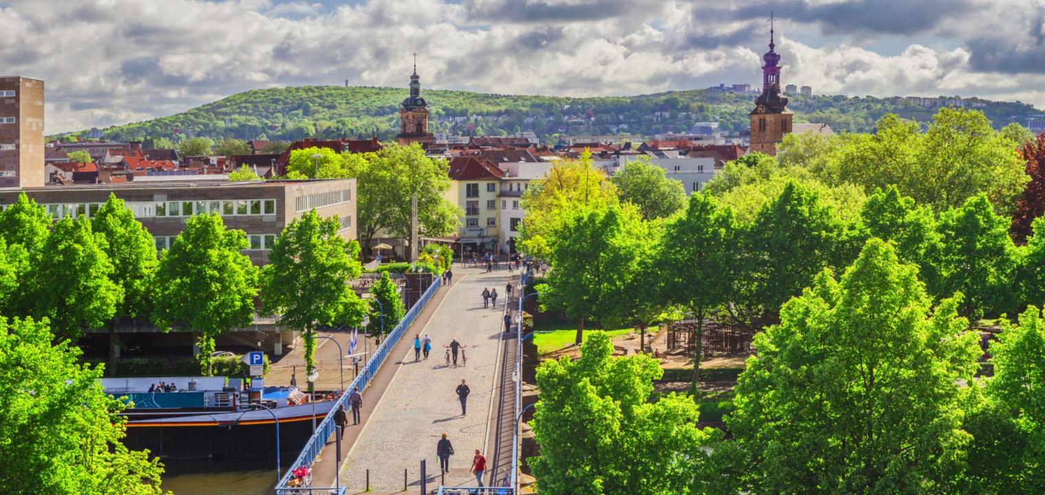 Saarland Saarbrücken Blick über die Alte Brücke