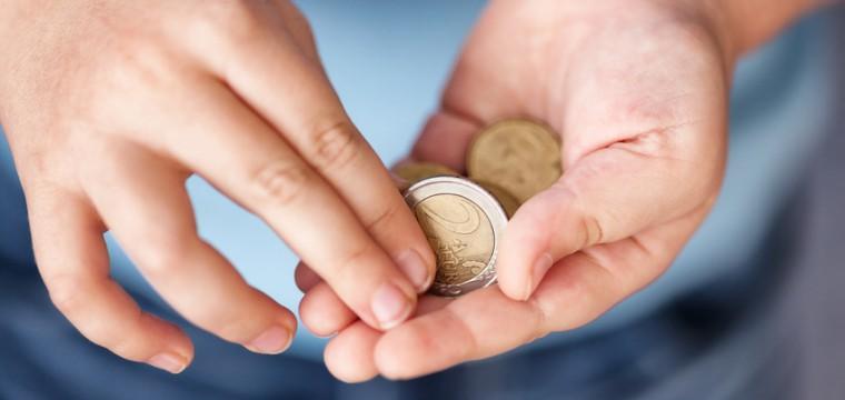 Die Höhe des Unterhalts hängt vom Einkommen der Eltern ab