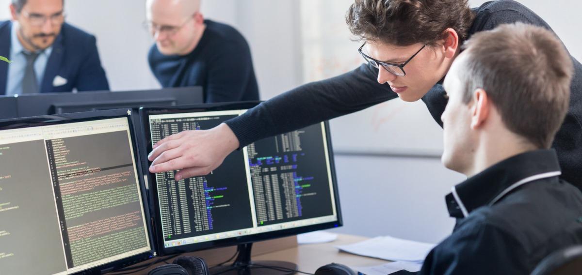 Anwendungsentwickler: Ausbildung & Beruf