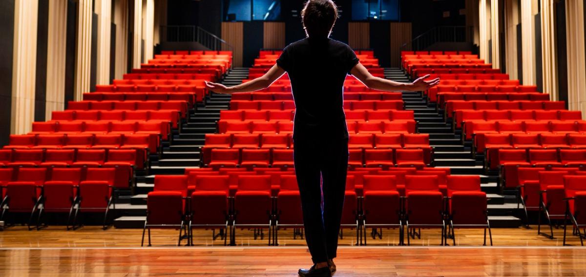 Dramaturg: Ausbildung & Beruf