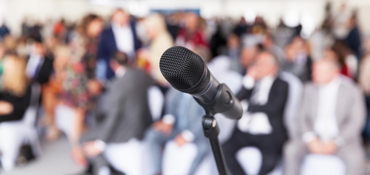 Pressesprecher: Ausbildung & Beruf