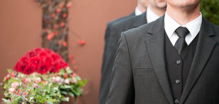 Sizzmerilu: verdienst bestattungshelfer