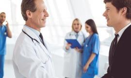Pflegemanagement-Studium: Inhalte, Studiengänge, Berufe