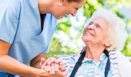 Pflegewissenschaft-Studium: Inhalte, Studiengänge, Berufe